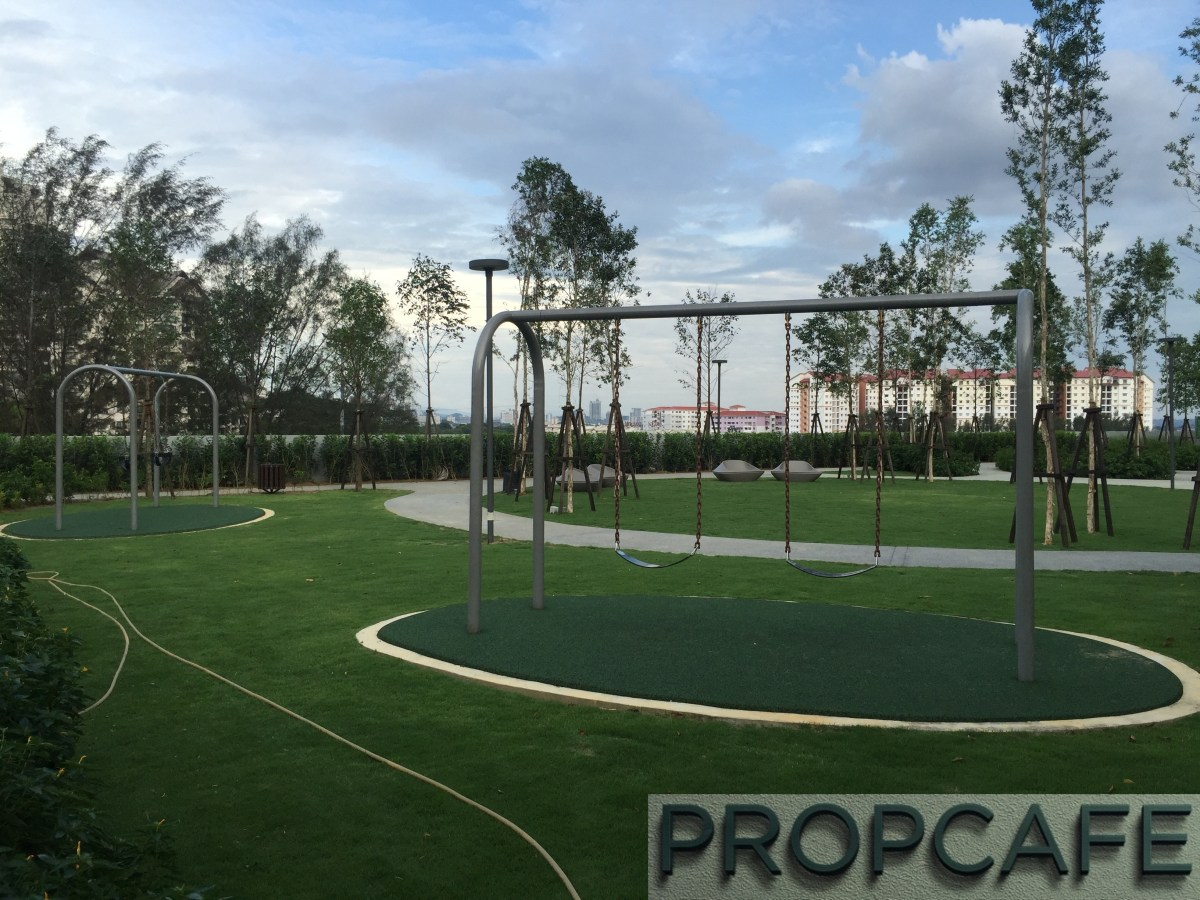 Tropicana Avenue 360 Degree View