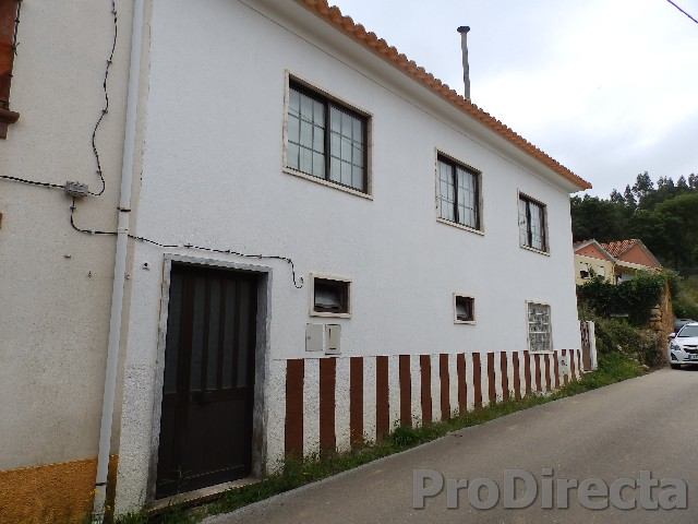 Property in Góis central Portugal