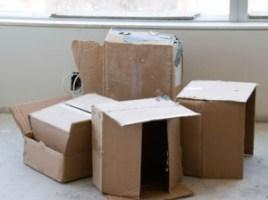desahucios y cajas cartón