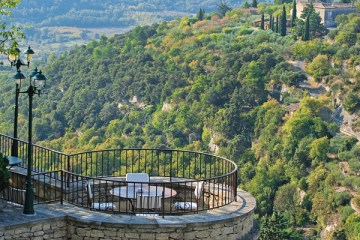 Terrace of the Bastide du Gordes
