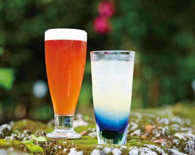 「南国酒造所」アセローラビール(1杯)648円  琉球ハブボール(1杯)540円