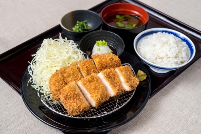 「鶏カツ膳」:980円(+税)⇒ランチ限定価格880円