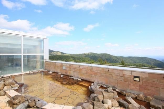 ・関東平野を一望できる展望露天風呂