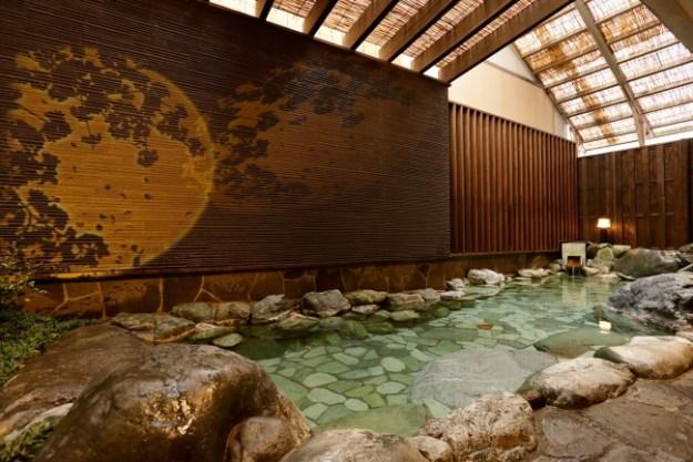 四季折々の風情が楽しめる雰囲気満点の女性露天風呂