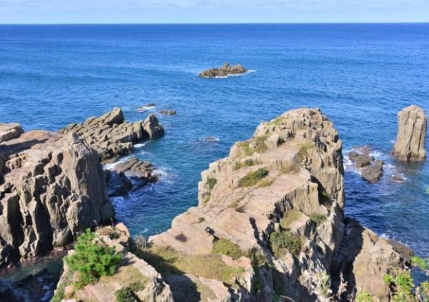 地質学的にも珍しい「輝石安山岩の柱状節理」という奇岩など、日本随一の奇勝として名高い東尋坊