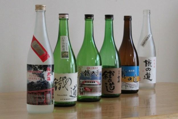 各酒蔵に「鐵の道」という同一名称のお酒を作っていただいています