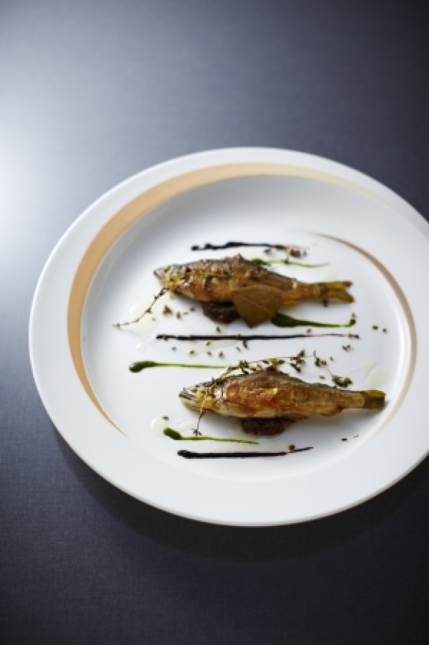 料理「鮎のコンフィ」