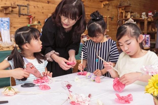 サマーワークショップ「オリジナル髪飾り作り」開催イメージ