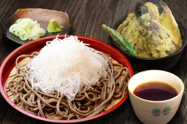 佐野名物「大根そば」と 茄子の「小天丼」セット(越前食堂)