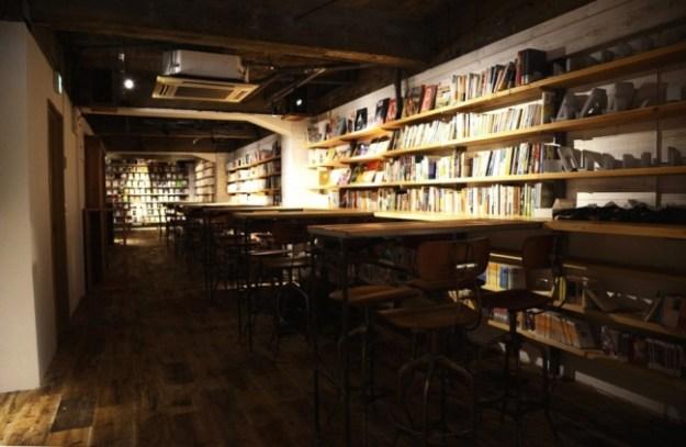 「森の図書室」内観