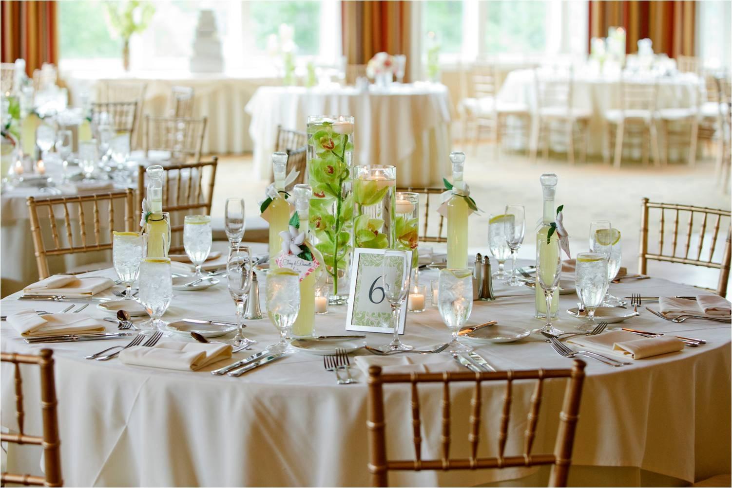 ivor cottn wedding linens Ivory Cotton Blend Linens Gold Chiavari Chairs
