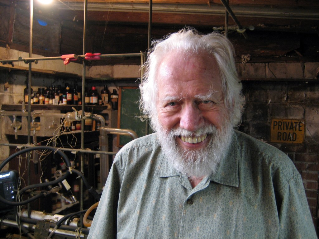 Sasha Shulgin in his lab in 2005