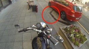 Brave Motorcycle Vigilante Gives Litterers A Taste Of Their Own Medicine