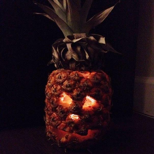 57fb40048cda0 - Forget Pumpkins, Pineapple Jack O' Lanterns Are The Latest Hallowe'en Trend