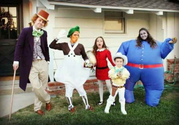 57fcbff9f37c1 - This Family Makes Matching Halloween Costumes Every Year And It's Unbelievably Awesome