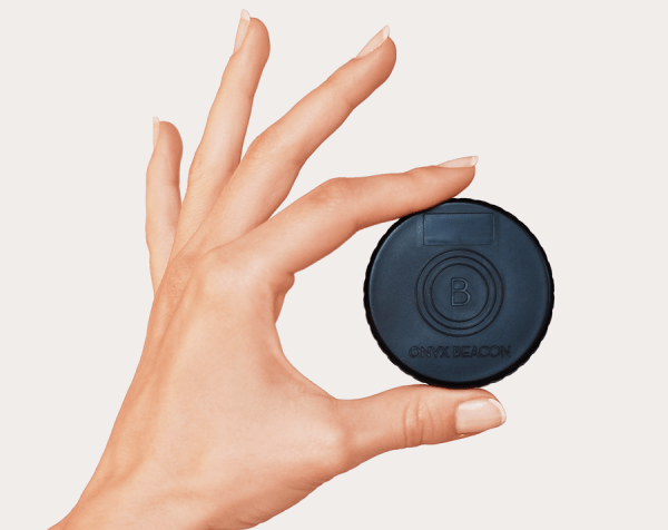 onyx-beacon-hand1