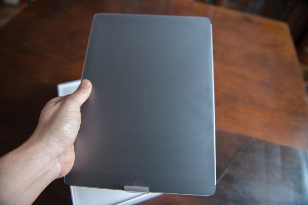 Das iPad Pro in der Hand © Martin Skopal