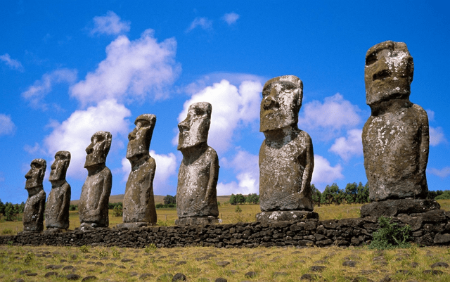 men-statuses-easter-island