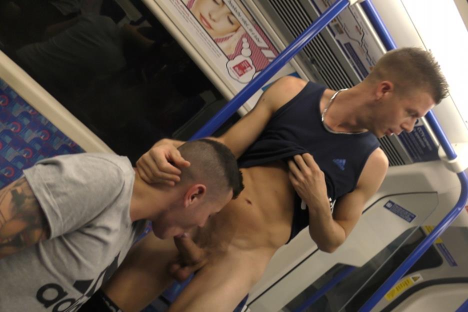 Порно Геи В Метро