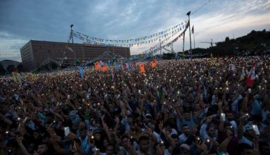 epa06816896 Supporters of imprisoned Selahattin Demirtas, Presidential candidate of People's Democratic Party (HDP), watching Selahattin Demirtas' state broadcast TRT speech on the huge screen during an election campaign rally in Istanbul, Turkey, 17 June 2018. Turkish President Erdogan announced on 18 April 2018 that Turkey will hold snap elections on 24 June 2018. The presidential and parliamentary elections were scheduled to be held in November 2019, but government has decided to change the date following the recommendation of the Nationalist Movement Party (MHP) leader Devlet Bahceli  EPA/SEDAT SUNA