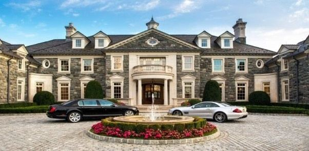Why are all American houses like mansions    Quora Everyone has their own American dream  and for some it includes a big house   A big house shows off accomplishment  Usually people buy a nice car to go  with