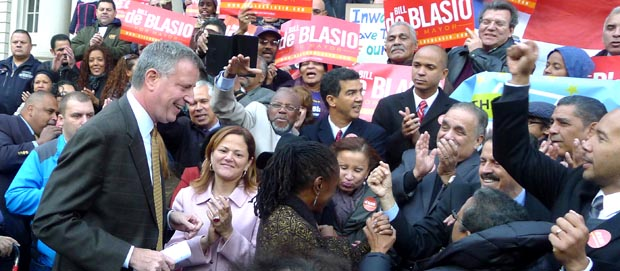 Latino politicians welcoming Bill de Blasio in front of City Hall. Photo Javier Castaño