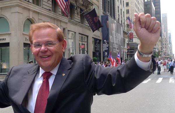 Fiscales federales no volverán a llevar a juicio al senador demócrata Robert Menéndez de Nueva Jersey