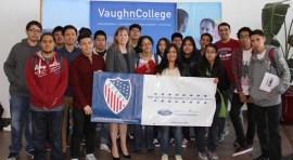 LULAC impulsa a latinos a estudiar aeronáutica y tecnología en Vaugh College
