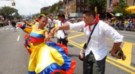 Miss Universo desfila con los colombianos en Queens