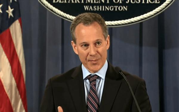 Fiscal estatal Schneiderman se une a demanda contra Junta de Elecciones en NYC