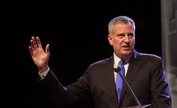 Alcalde Bill de Blasio: NYC seguirá apoyando DACA
