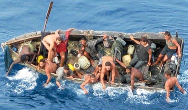 EE.UU. devuelve a 97 cubanos con pies mojados