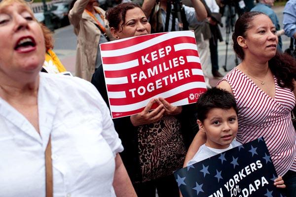 Ley de inmigración permite mantener familias unidas