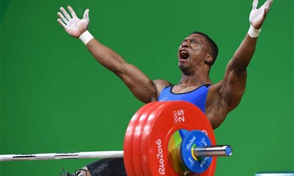 Pesista Oscar Figueroa le da el primer oro a Colombia en Juegos Olímpicos de Brasil