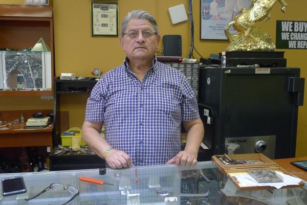 Walter Izurrieta.