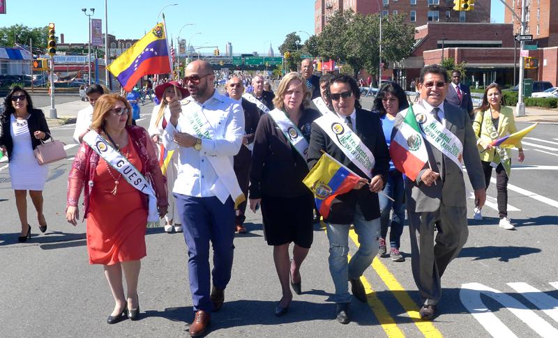 Desde la izquierda, la jueza Carmen Velázquez,