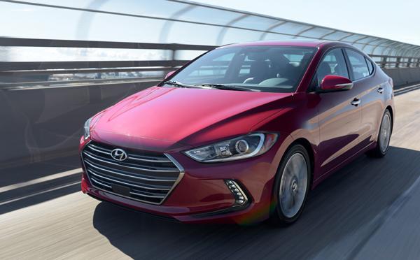 Hyundai Elantra  está entre los mejores compactos del mercado