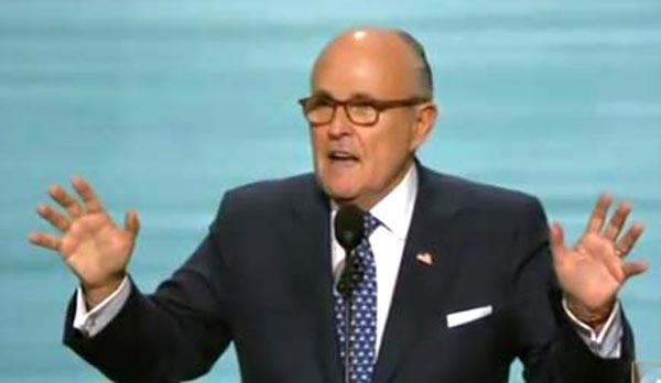 Giuliani busca ser Secretario de Estado bajo Trump