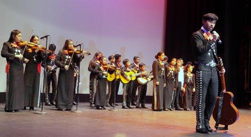 Mariachi Nueva Amanecer en el Teatro de Queens del Parque Flushing. Foto John Caballero