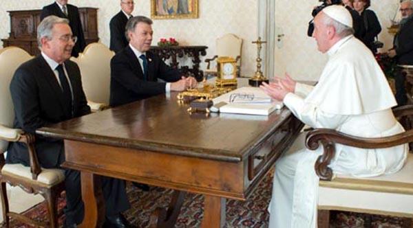 El Papa Santos y Uribe sin acuerdo por la paz en Colombia