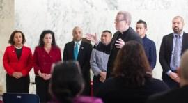 Obispo Católico de Albany se une a Legisladores y pide justicia  para los trabajadores agrícolas