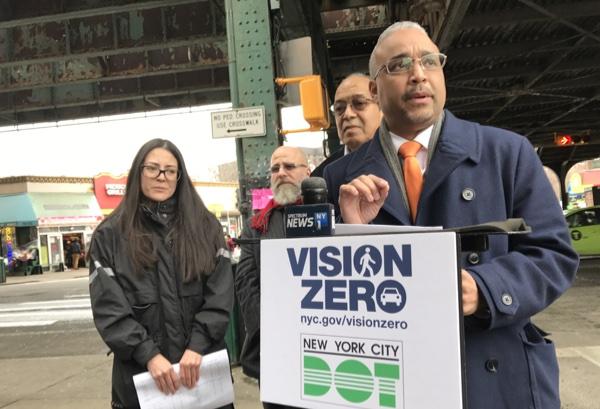 Vision Zero: nuevas señales peatonales para salvar vidas en la Roosevelt y la calle 90