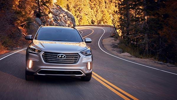 Hyundai Santa Fe Ultimate 2017 es versátil y seguro