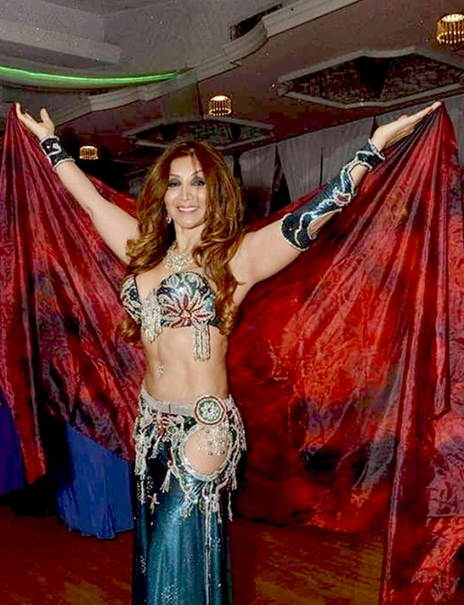 Gina Narcisa Vásquez no para de bailarLa danza del vientre
