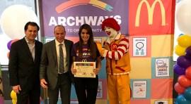 McDonald's capacita a sus empleados ensenándoles inglés como segundo idioma