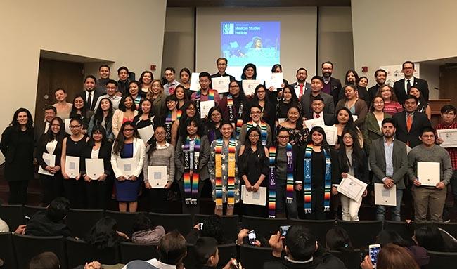 Educación como arma de progreso de comunidad mexicana en NY