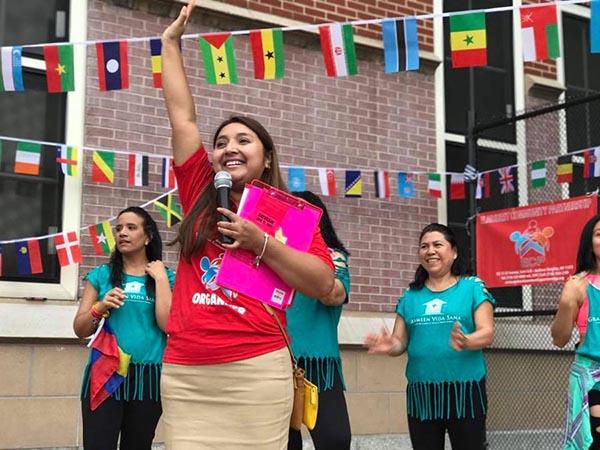 Feria y clínica de inmigración en escuela pública de Jackson Heights