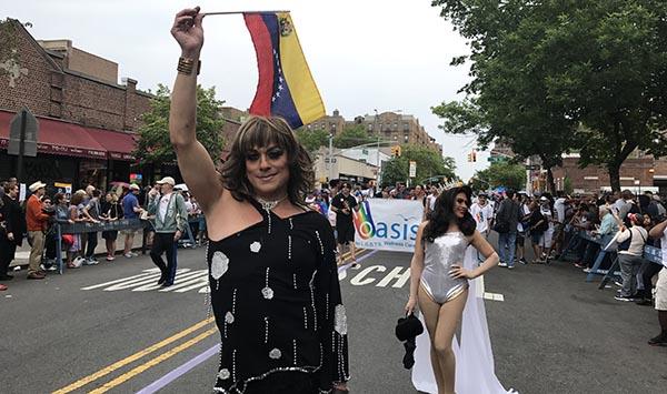 Desfile del Orgullo Gay cumple 25 años a ritmo latino