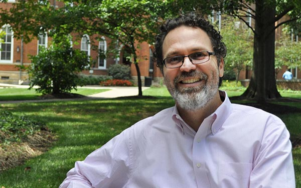 Dr. Miguel Martínez-Saenz Is the 19th President of St. Francis College (Spanish below)