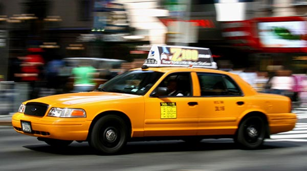 Mientras Uber tambalea los taxis amarillos brindan enormes oportunidades para los choferes